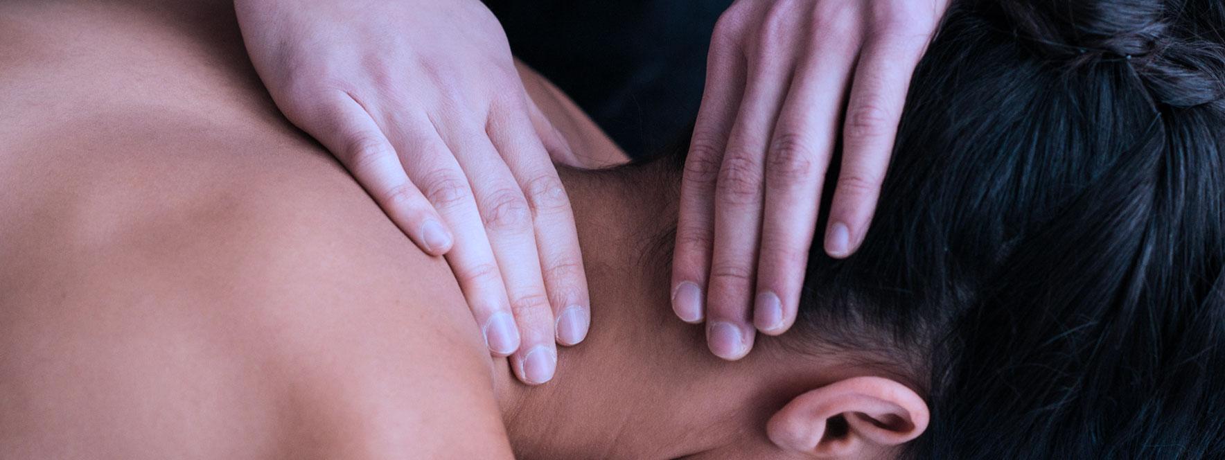 Les symptômes et causes de la cervicobrachialgie - Blogue du Réseau