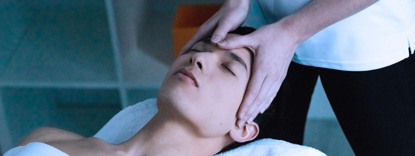 Massage de la tête et insomnie - Blogue du Réseau