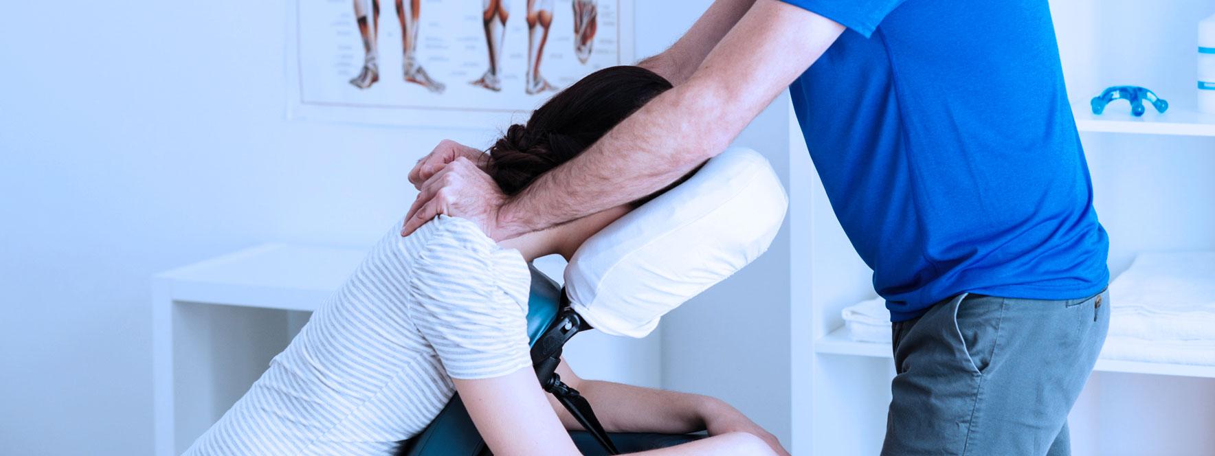 Le massage sur chaise, une option sur mesure pour les milieux de travail - Blogue du Réseau