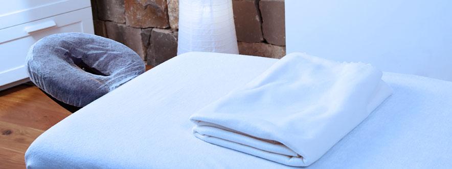 Atelier de massage bébé - table - blogue du Réseau